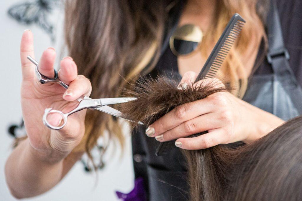 Las peluquerías abren sus puertas con fuertes medidas de higiene y seguridad